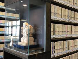 図書館仏像