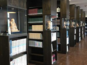 図書館奥から入口