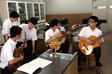 クラシックギター部